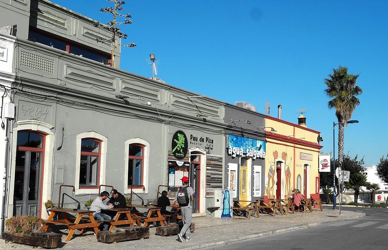 Sagres-bunte-Häuserreihe